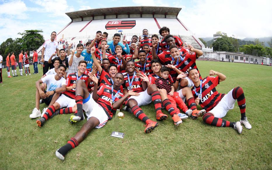 Flamengo destinará verba de 2019 para indenização de famílias