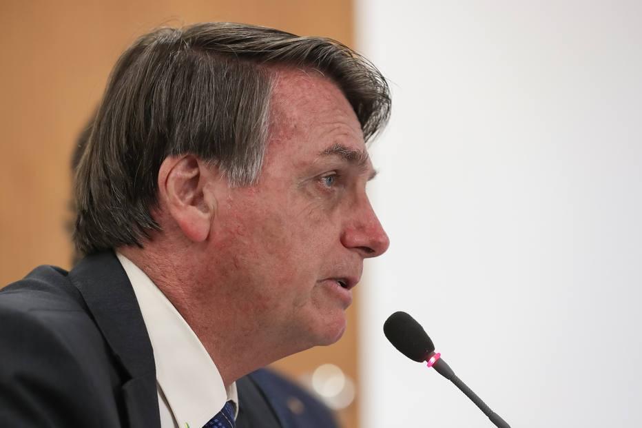 Bolsonaro diz que dará 'voadora no pescoço' de quem se envolver em corrupção