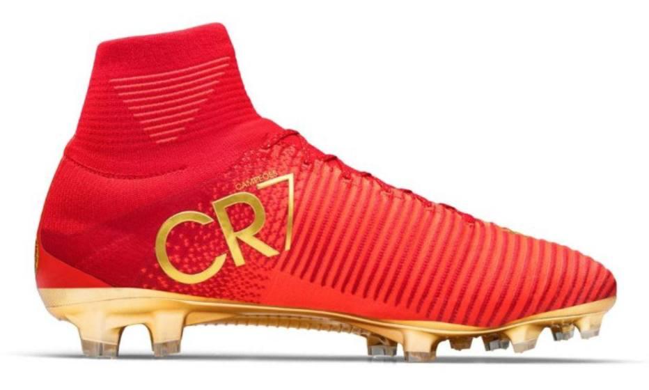 1702089db9da6 CR7 ganha chuteira exclusiva da Nike para a Copa das Confederações ...