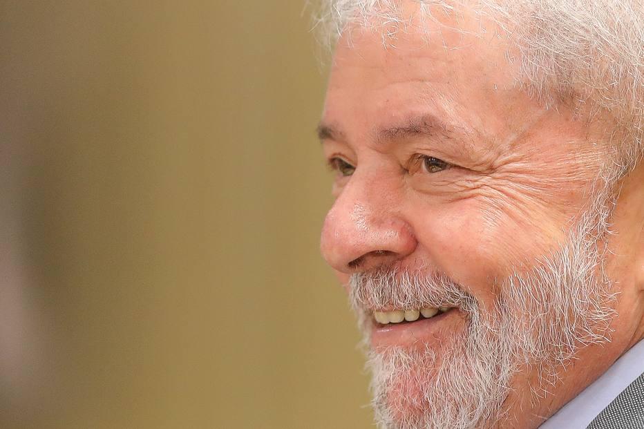 Lula preso na PF dá entrevista