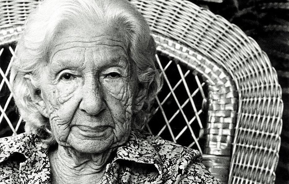 Escritores falam sobre Cora Coralina no dia de seu aniversário