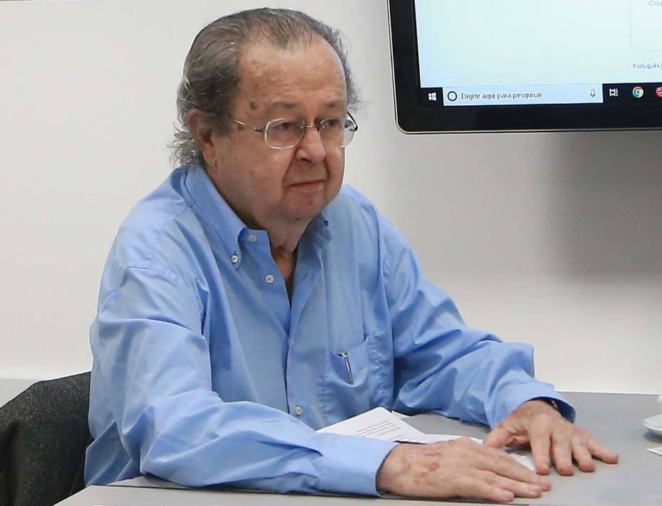 Weffort: 'Bolsonaro não obedece às regras de um sistema democrático'