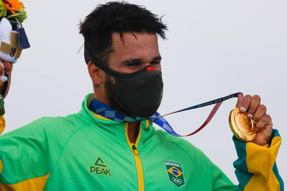 Italo Ferreira ganha o primeiro ouro do Brasil em Tóquio