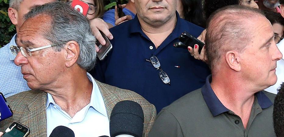 Paulo Guedes( esq), futuro ministro da Economia, e Onyx Lorenzoni, apontado para Casa Civil