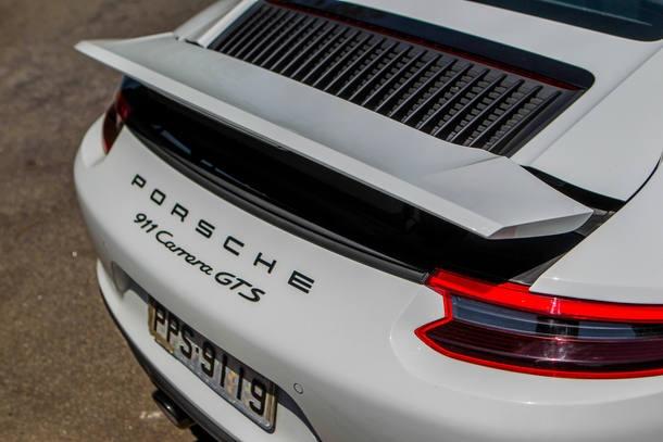 Porsche 911 GTS x Jaguar F-Type SVR