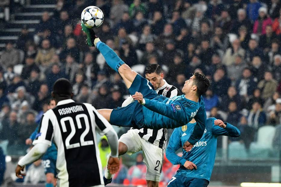 733b510836 Golaço de bicicleta de Cristiano Ronaldo faz torcida rival aplaudir  assista