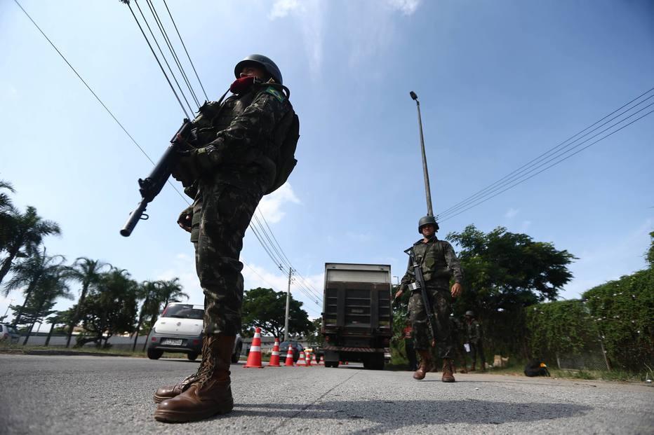 Comando Militar foi surpreendido com decisão de intervenção no Rio