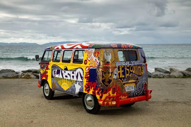 Volkswagen Kombi 'Woodstock' ganha réplica pelos 50 anos do festival