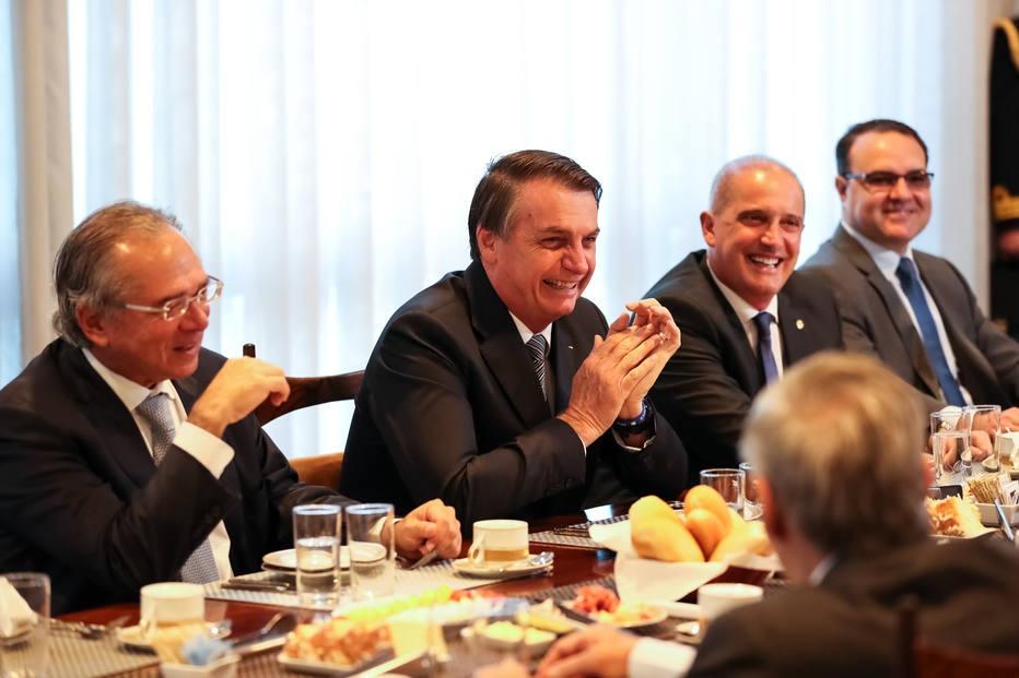 Parem de drama, brasileiros: Moro e Guedes assinam carta pedindo ao Senado que não mudem a Coaf do Min. da Economia