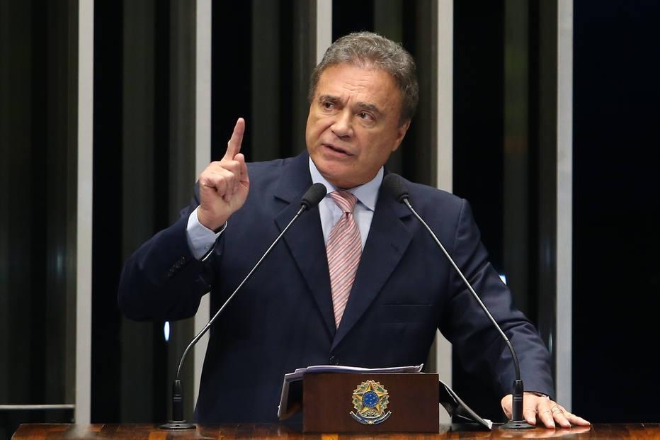 Álvaro Dias e Amoêdo largam na frente arrecadação por vaquinha virtual