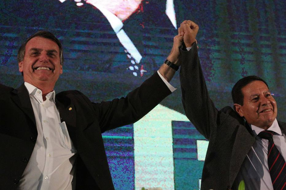 Resultado de imagem para imagens de Bolsonaro e mourão