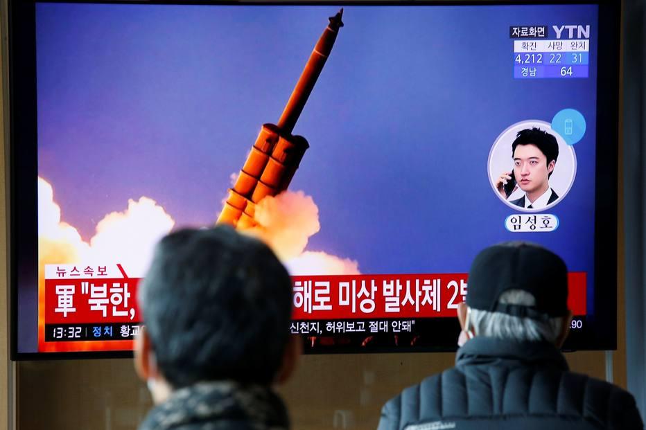 Coréia do Norte dispara dois projéteis não identificados