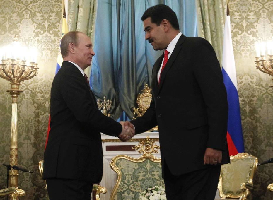 Vladimir Putin e Nicolás Maduro