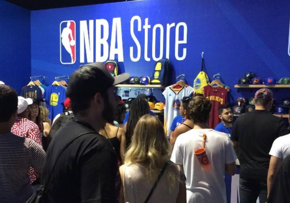 67a3b2c869 Procura por camisas dos times da NBA aumenta mais de 80% no Brasil ...