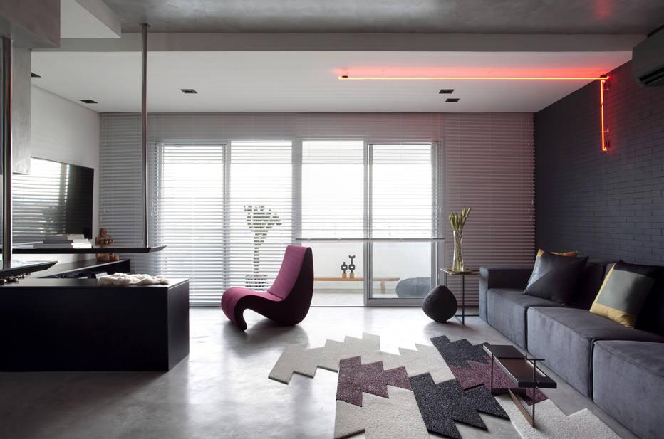Alteração radical da planta dá ar futurista a apartamento em Diadema.