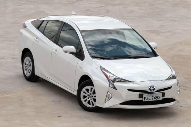 Carros conhecidos que vendem menos que o Toyota Prius