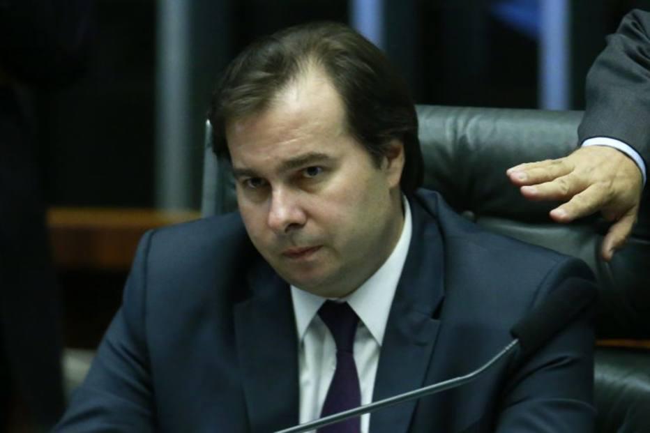 Maia vota em Bolsonaro e defende que Congresso comece a trabalhar em reformas na semana que vem
