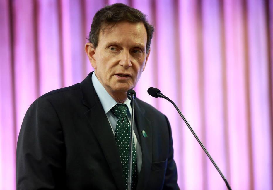 Crivella afirmou que os indicadores de covid-19 no Rio estão sob controle e de acordo com o que era previsto para este momento da epidemia, mas que, mesmo assim, o comitê científico da prefeitura decidiu manter as restrições