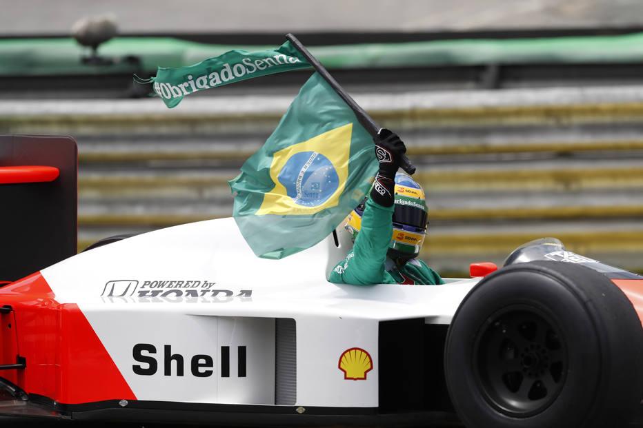 Bruno Senna pilota McLaren Honda MP4/4 em Interlagos