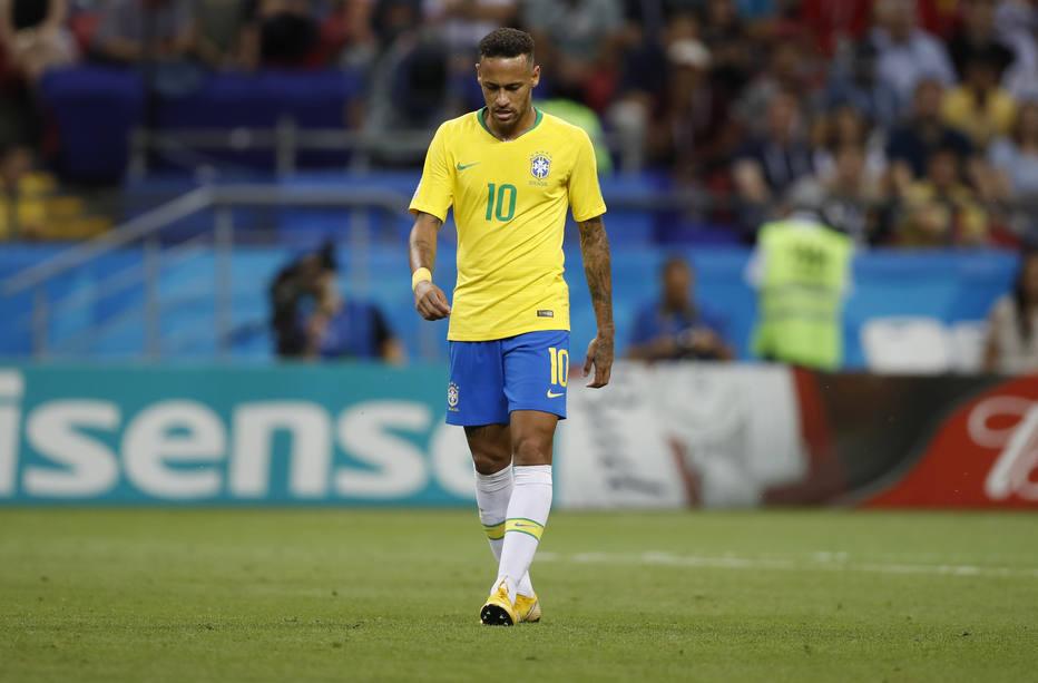 Resultado de imagem para foto de neymar após o jogo contra bélgica