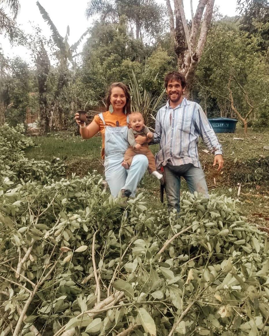 Nathalia e a família no sitio