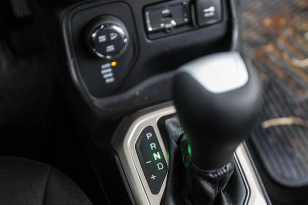 Jeep Renegade X Troller T4