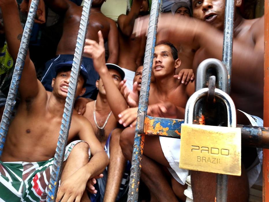 Prisão mais rígida opõe Bolsonaro e Haddad nas eleições 2018