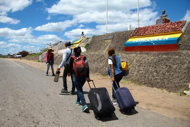 Resultado de imagem para Equador declara emergência migratória por chegada de venezuelanos