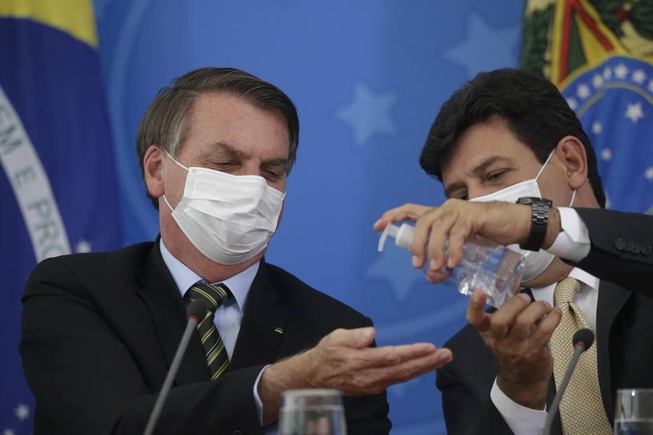 Bolsonaro e Mandetta durante coletiva sobre o coronavírus