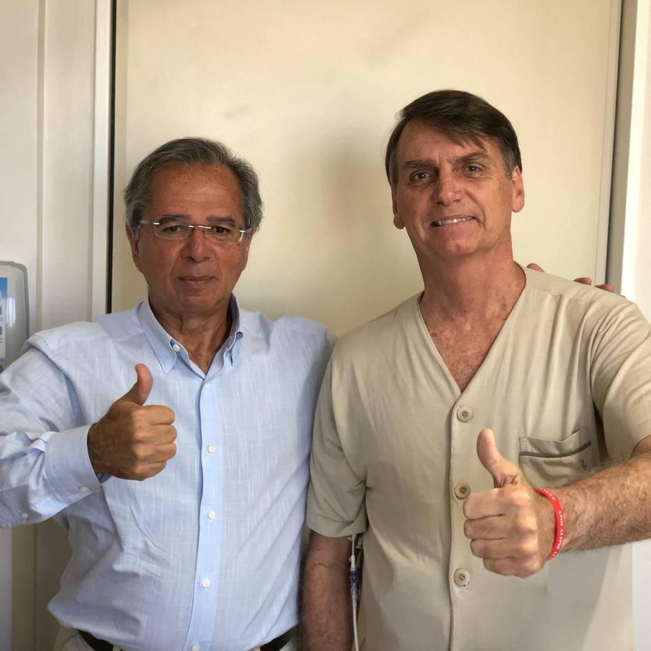 Paulo Guedes visita Bolsonaro