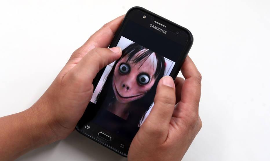 Boneca Momo reacende debate sobre segurança de crianças na internet