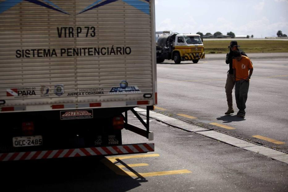Presos transferidos de Altamira quebraram algemas plásticas, diz secretário
