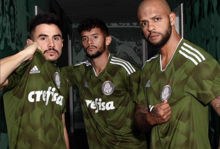 45111d364 Mais feias do mundo  camisa do Palmeiras entra em ranking de site  especializado