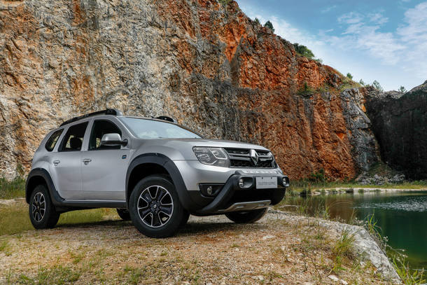 9 - RENAULT DUSTER - 1.777 UNIDADES