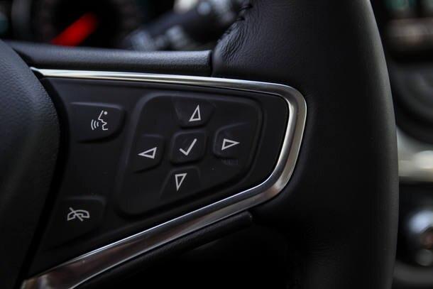 Chevrolet Equinox Premier x Jeep Compass Longitude