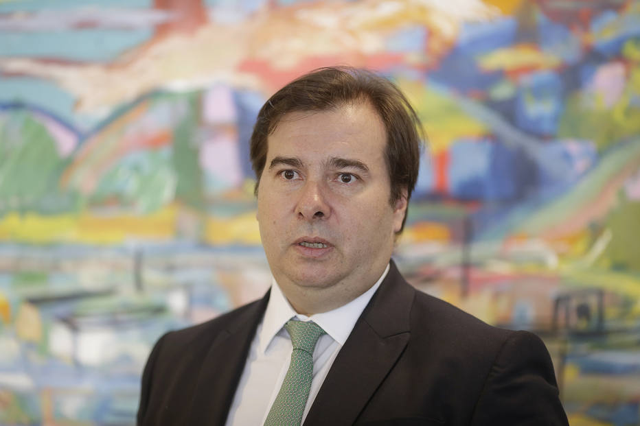 Rodrigo Maia: 'Bolsonaro arruma inimigo para arranjar conflito'