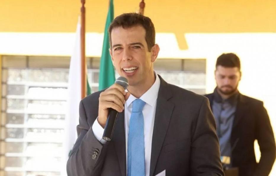 Bolsonaro escolhe Renato Feder como novo ministro da Educação - Educação - Estadão