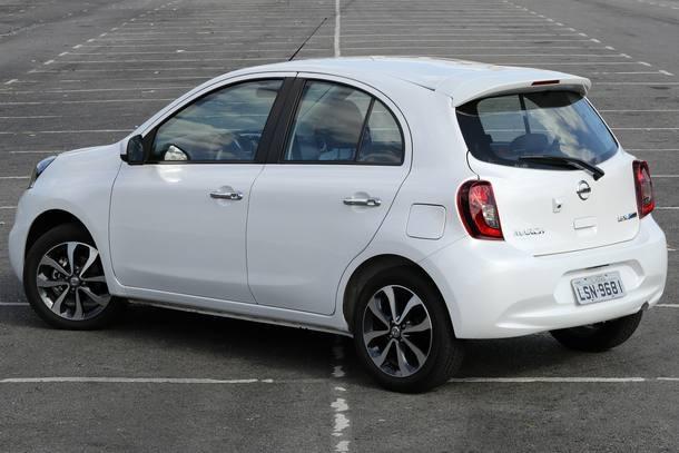 Nissan March 1.6 SL CVT x Volkswagen Gol 1.6 Highline I-Motion