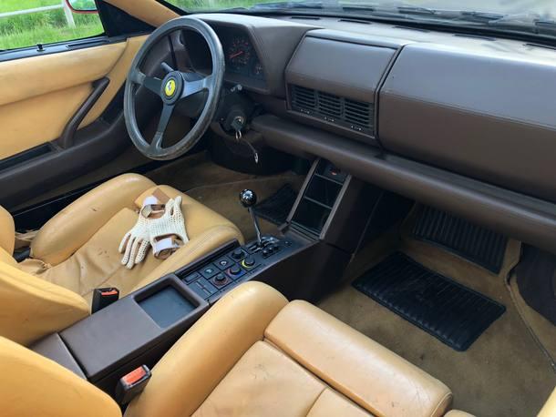 Ferrari Testarossa conversível 'rat rod'