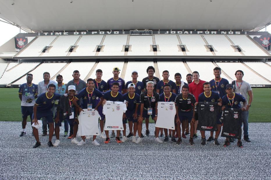 940cb436cd Corinthians banca retorno de time da Copinha é comparado com o Palmeiras