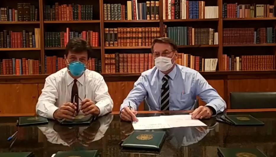 Jair Bolsonaro máscara cirúrgica
