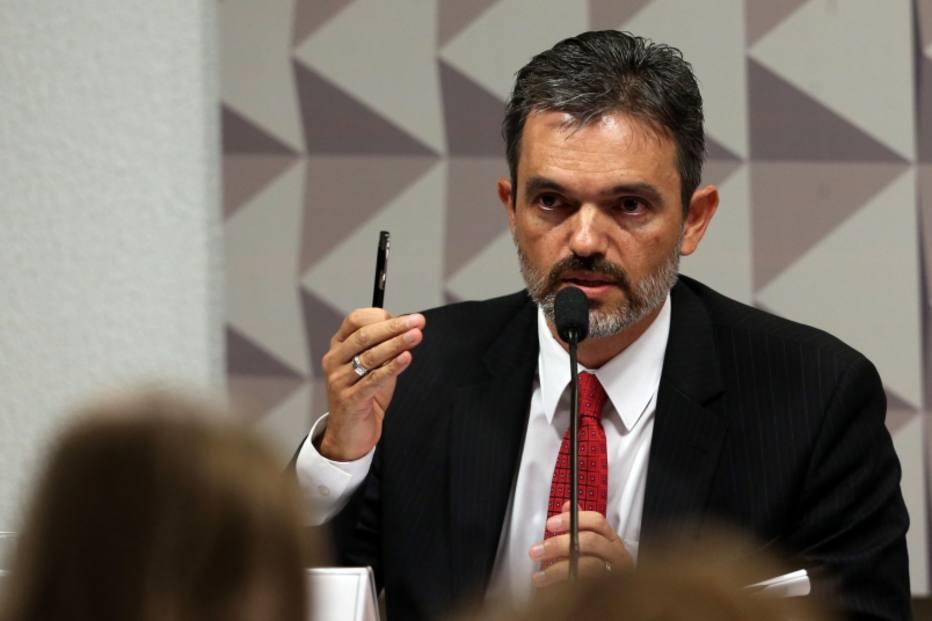 Acusação - Júlio Marcelo de Oliveira, procurador do Ministério Público junto ao Tribunal de Contas da União (TCU