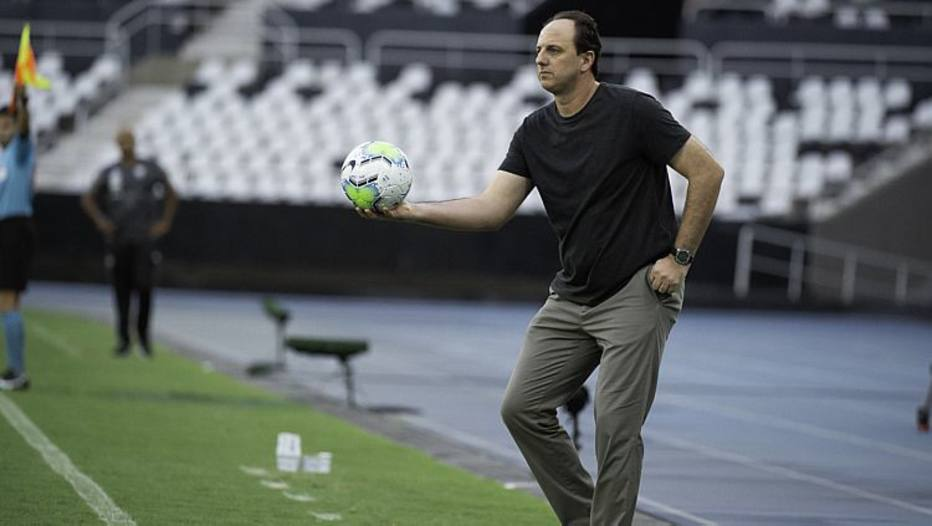 Técnico em pacto no Flamengo e defende elenco: Grupo experiente