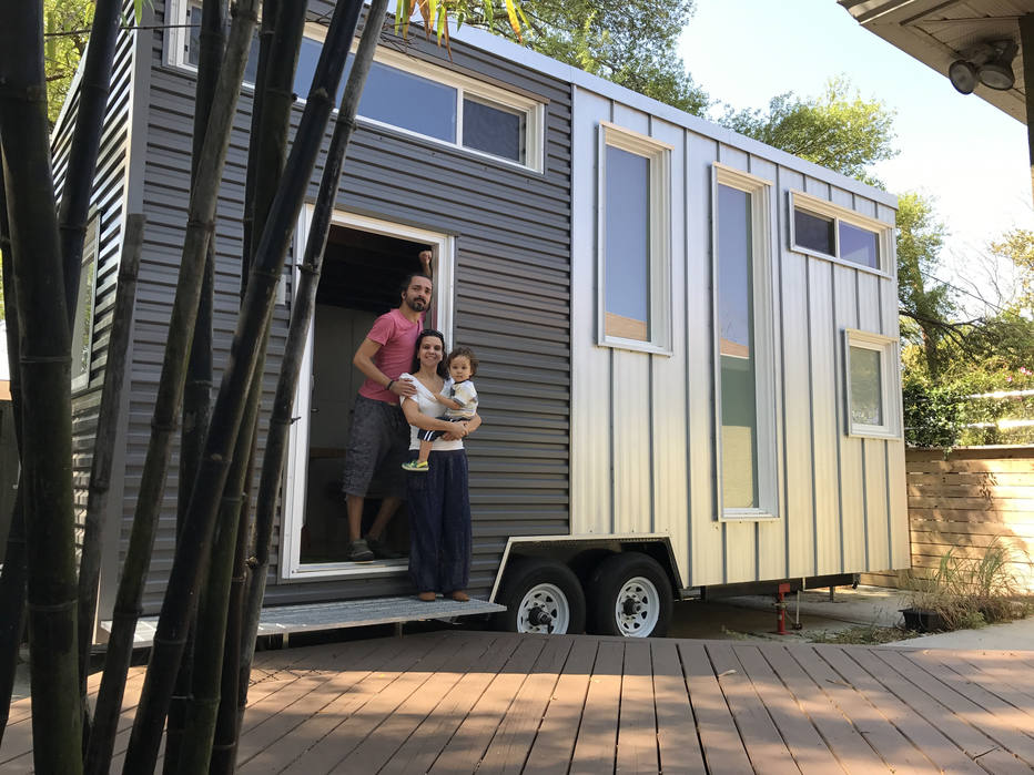 Contra estresse, casal adota 'lar ambulante'