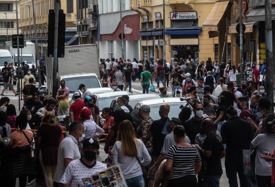 Reabertura do comércio de rua em São Paulo