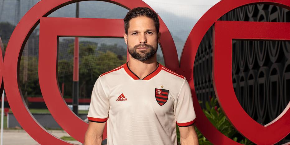 Flamengo vai estrear nova camisa diante do Bahia pelo Brasileirão ... bd2f0e275c86a