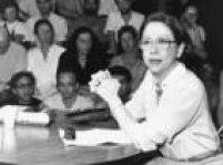 A atriz<a href='http://https://acervo.estadao.com.br/noticias/personalidades,fernanda-montenegro,945,0.htm' target='_blank'>Fernanda Montenegro</a>durante palestra/depoimento sobre o ano de 1968, no Teatro de Arena Eugênio Kusnet, região central de São Paulo, SP. 24/01/1990. Veja também:<a href='http://https://acervo.estadao.com.br/noticias/acervo,bastidores-do-central-do-brasil-em-fotos-ineditas,70002713531,0.htm' target='_blank'>Bastidores do 'Central do Brasil' em fotos inéditas</a>
