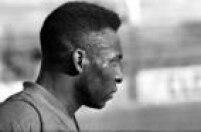 O suor escorre pelo rosto de Pelé durante um treino do Santos Futebol Clube,Santos, SP, 01/01/1960.