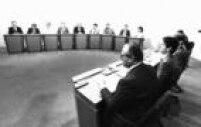 Debate doscandidatos à<a href='http://acervo.estadao.com.br/noticias/acervo,saiba-quem-foi-prefeito-de-sao-paulo-haddad-e-o-70,7253,0.htm' target='_blank'>Prefeitura de São Paulo</a>é mediado pelo jornalista Boris Casoy, 1985