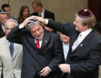O presidente da República,Luiz Inácio Lula da Silva é recebido pelo rabino Henry Sobel na sede da Congregação Israelita Paulista, São Paulo, SP, 27/01/2006.